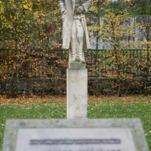 Pomník Josefa Jiřího Švece v Tyršových sadech v Třebíči