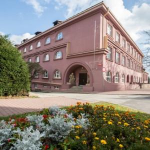 Pelhřimovské gymnázium bylo kdysi Masarykovými chlapeckými školami