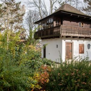 Roubený domek v Děkanské zahradě v Pelhřimově