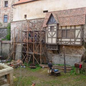 Příprava kulis na hradě v Ledči nad Sázavou